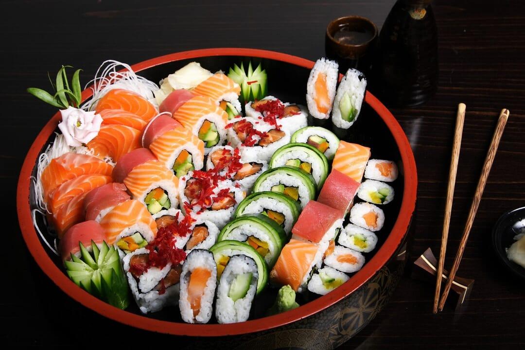 Sushi plato tradicional, qué comer en Japón y dónde